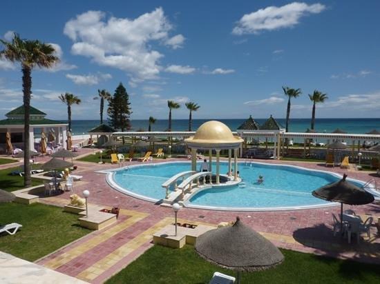 El Hana Palace Caruso Hotel : beautiful pool area