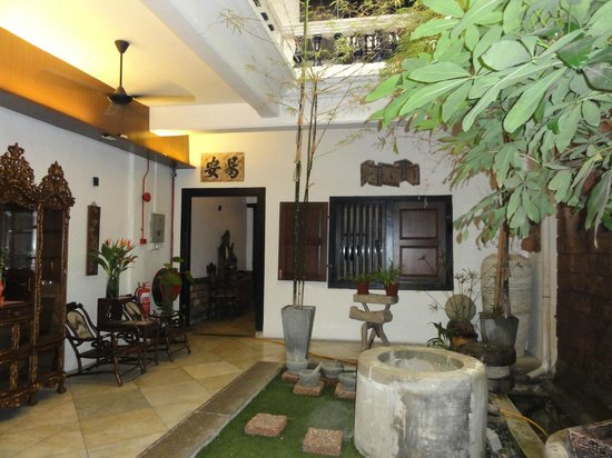 Courtyard @ Heeren Boutique Hotel: Inner Courtyard