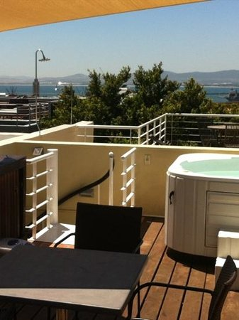 De Waterkant Village : 54b loader street. fabulous views and jacuzzie