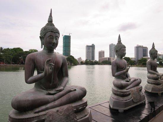 Seema Malaka Temple: 寺院背面