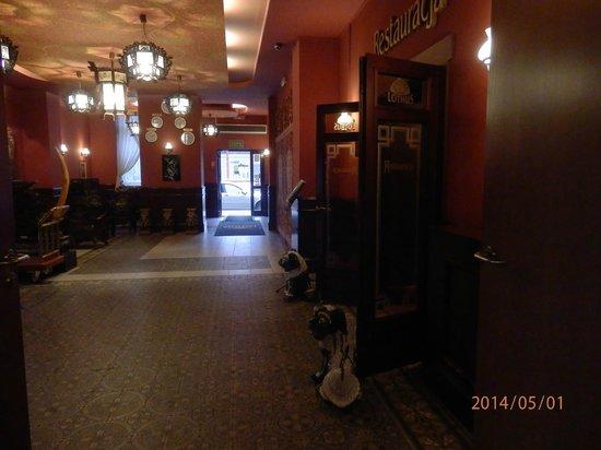 Hotel Lothus: Hall del hotel