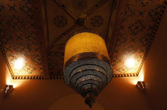 Riad Camilia: Lounge room light - fantastic