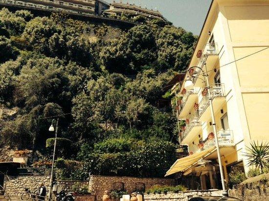 Hotel del Mare: Vista sull'hotel