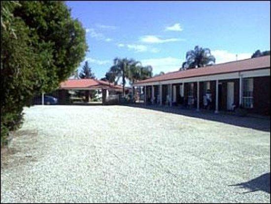 Border Gateway Motel: Parking