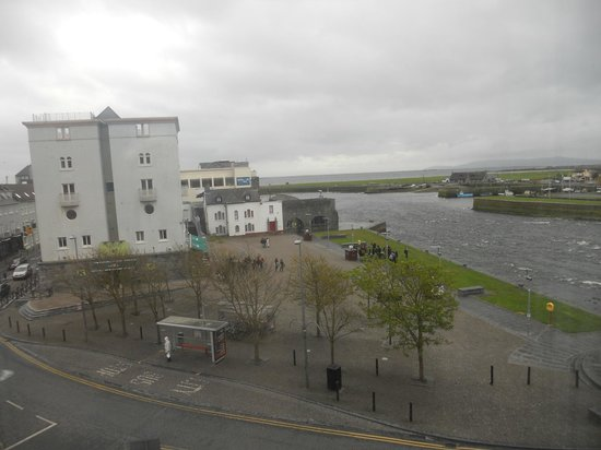 Jurys Inn Galway : View from hotel room