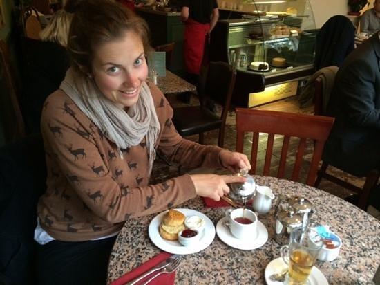 Bennett's Cafe & Bistro : enjoying the scones!