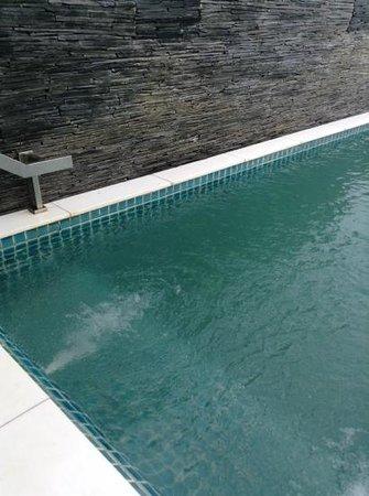 Samui Resotel Beach Resort: swim anyonr.