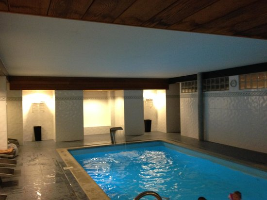 piscine en sous sol photo de hotel villa select de panne tripadvisor. Black Bedroom Furniture Sets. Home Design Ideas
