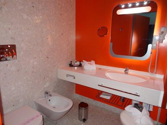 Hotel San Ranieri: salled de bain