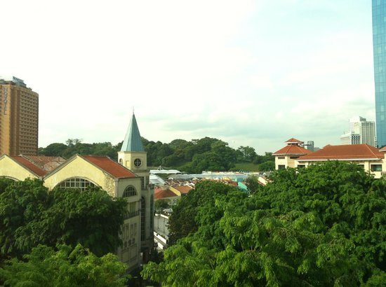 Park Regis Singapore: クラークキーを臨む。室内は前回レポートと同じでした。