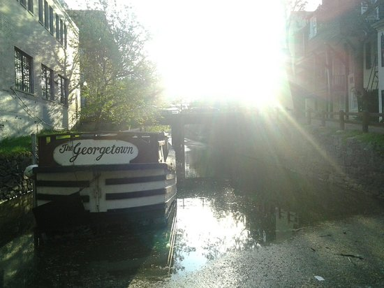 Georgetown: The sun shines bright over the canal