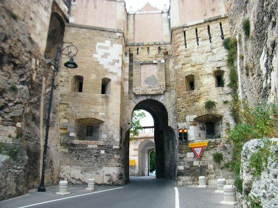 Cittadella dei Musei : Porta di ingresso al Castello di Cagliari