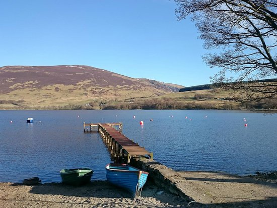 Lochearn House: Loch Earn, just a short walk from the B&B.
