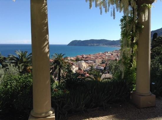 Villa della Pergola: vista dal giardino