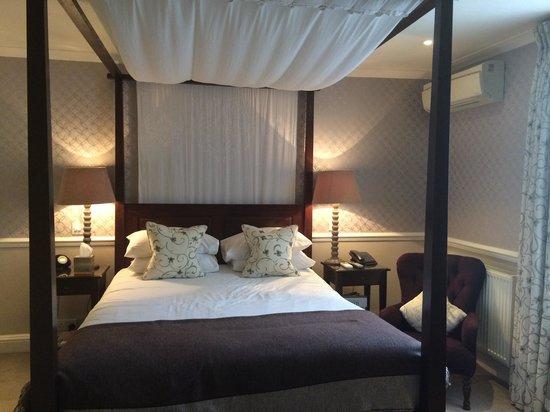 One Three Nine Bath: Gorgeous bedroom