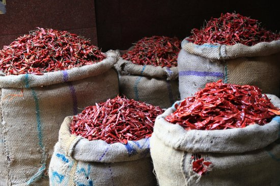 When In India Tours: Spice Market