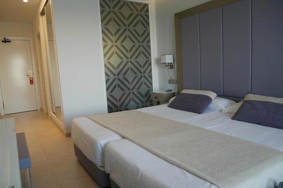 Hotel Torre del Mar : Habitacion