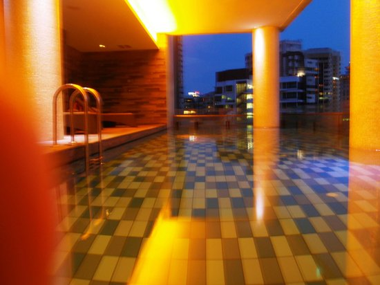 The Quincy Hotel by Far East Hospitality: Pool