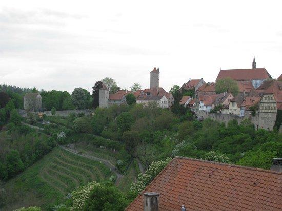 Hotel Cafe Uhl: A Cidade medieval vista da janela do quarto.