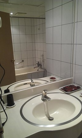 Triplebeds Hotel: 衛浴設備