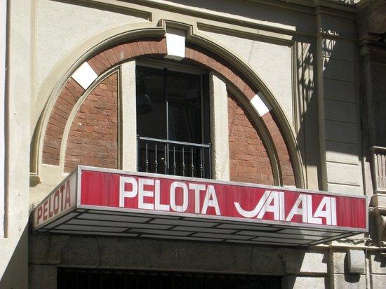 Pizzeria Grand'Italia : L'ingresso dello sferisterio sull'altro lato di via Palermo