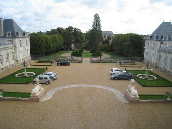 Chateau Colbert: Vue sur la cour intéireure