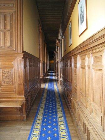 Chateau Colbert : Couloir des suites au 1er étage