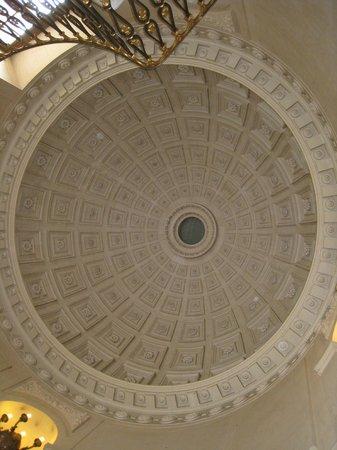 Chateau Colbert : Plafond de l'escalier