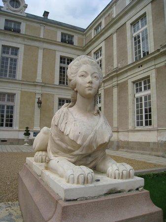 Chateau Colbert : Cour intérieure