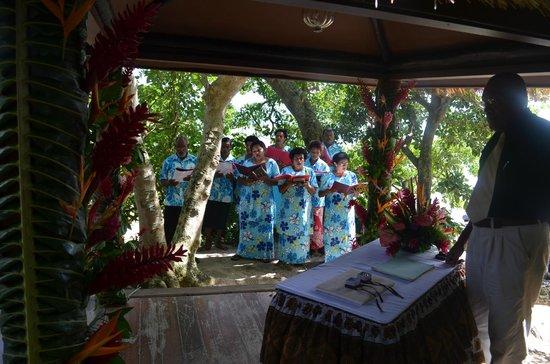 Royal Davui Island Resort: Village Choir