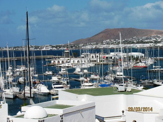 Gran Castillo Tagoro Family & Fun Playa Blanca: Port à 2,5 km