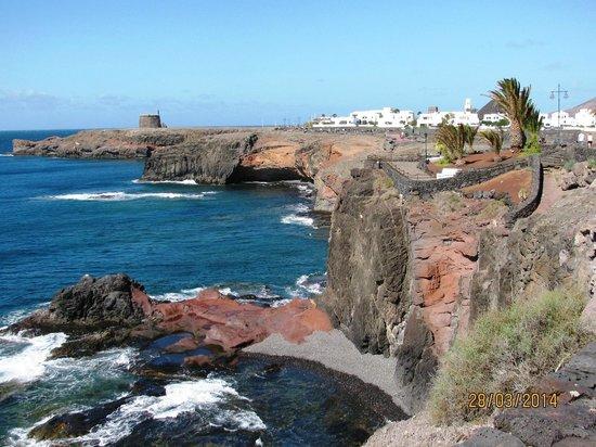 Gran Castillo Tagoro Family & Fun Playa Blanca: Vue le long du patio