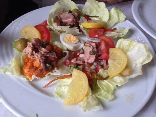 Regency Tunis Hotel: Food is great.try the local Harisa