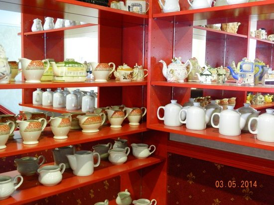 Tea for two teapots