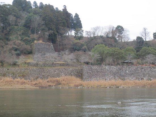 Hitoyoshi Castle Ruins: 御下門跡(中央)