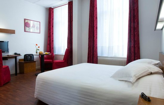 Le Grand Hotel : Chambre supérieure double
