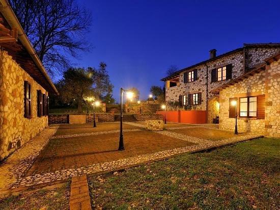 Borgo Saint George: Esterni al tramonto