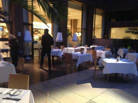 Sheraton Skyline Hotel London Heathrow : Madhu's restaurant