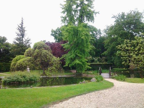 Borgo Storico Seghetti Panichi : giardino