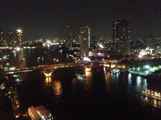 Shangri-La Hotel,Bangkok: Vista sul fiume