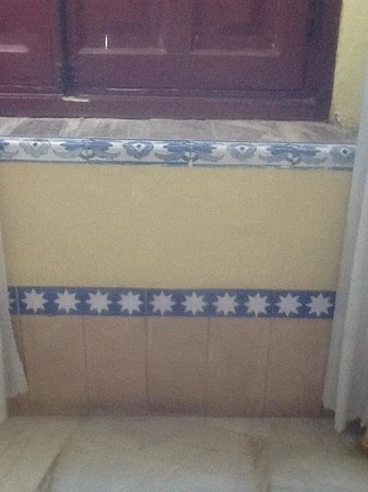Alcazar de la Reina Hotel: the Seville tile detailing in my room, so DEAR