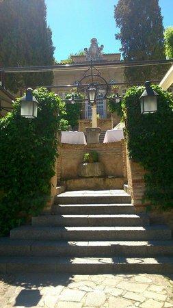 Hacienda del Cardenal : Acceso a recepción