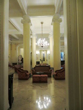 Grand Hotel et Des Palmes : The Lobby