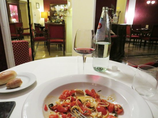 Grand Hotel et Des Palmes : Dinner in the Bar