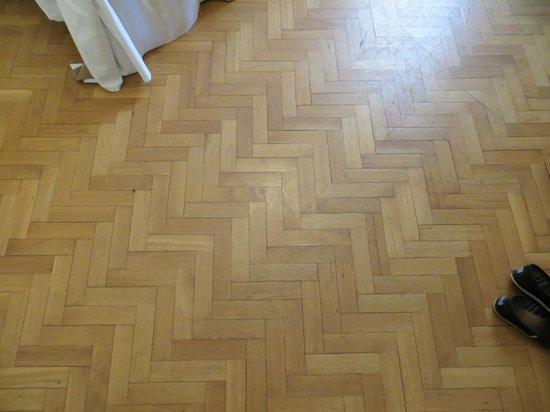 Grand Hotel et Des Palmes: Floor of hotel room