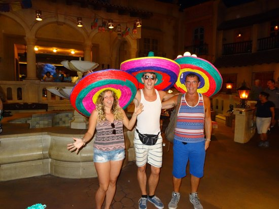 EPCOT : Us in Mexico!