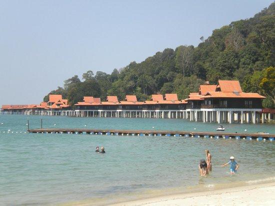 Berjaya Langkawi Resort - Malaysia : Private beach showing the rooms overlooking the sea