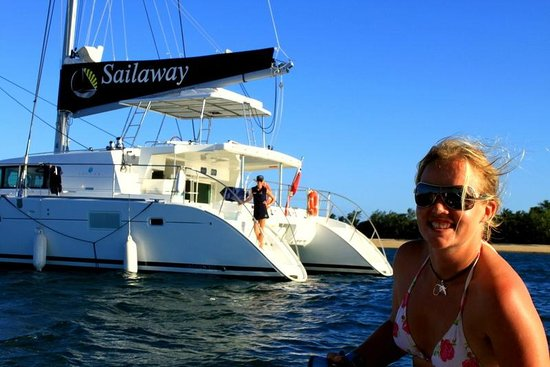 Sailaway: The boat..