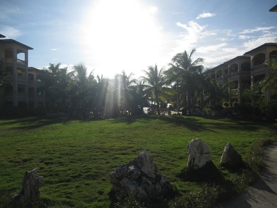Infinity Bay Spa and Beach Resort: grounds