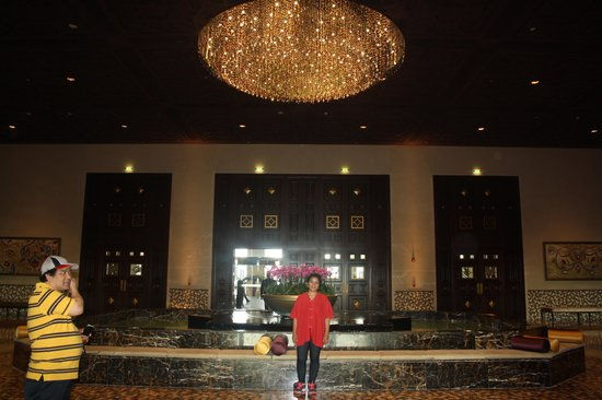 Grand Hyatt Doha Hotel & Villas : at the lobby..